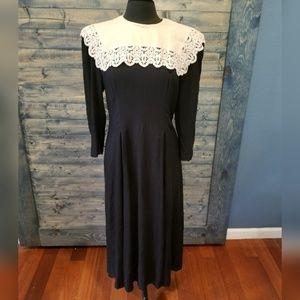 Karin Stevens 80s Rayon Modest Dress lace